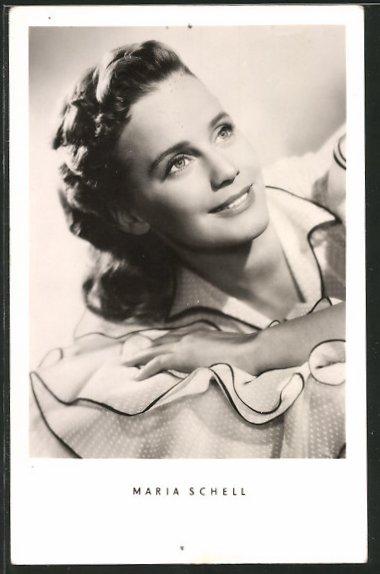 AK Schauspielerin Maria Schell lächelnd zur Seite schauend