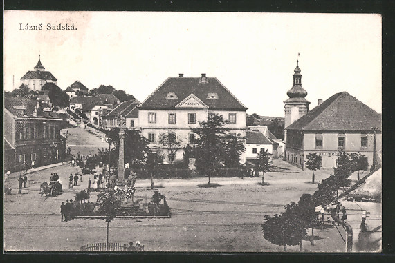 AK Lázne Sadská, Námestí, Hostinec, Museum