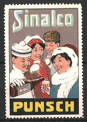 Reklamemarke Sinalco Punsch, Pärchen in Winterkleidung trinken Punsch