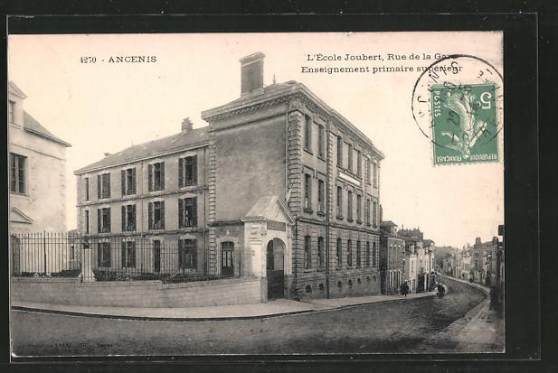 AK Ancenis, l'École Joubert, Rue de la Gare