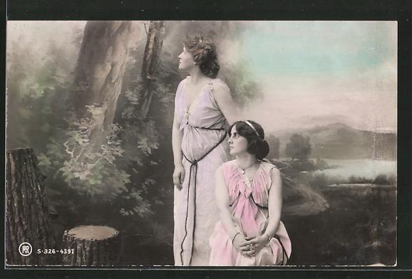 Foto-AK RPH NR 326-4391: zwei Frauen in Kleidern