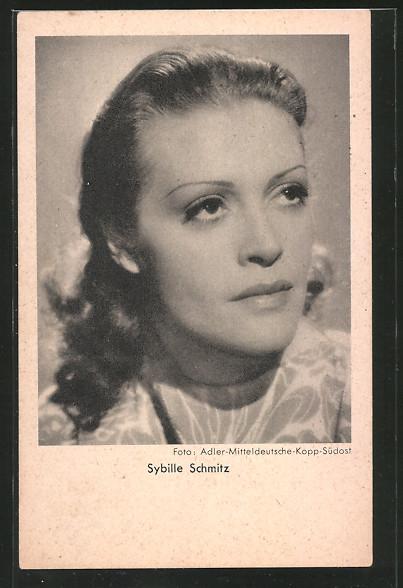 AK Schauspielerin Sybille Schmitz zur Seite schauend