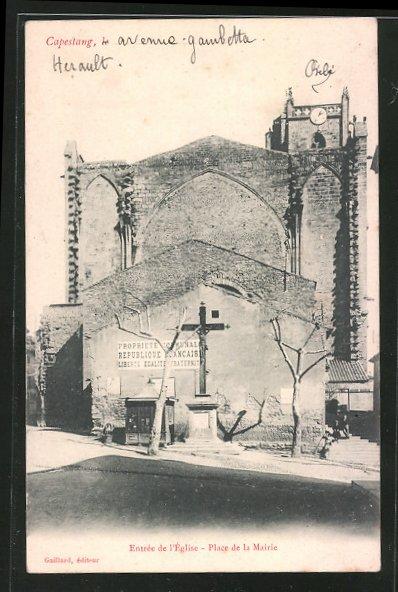 AK Capestang, Entrée de l'église, Place de la Mairie