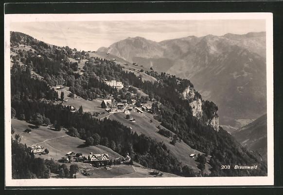 AK Braunwald, Panorama mit Ort und Gebirge