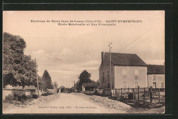 AK Saint Symphorien, École maternelle et rue principale