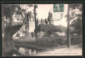 AK Fougeres-sur-Biévre, le vieux château, vue prise de la route