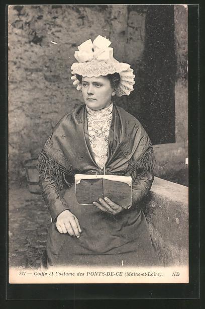 AK Ponts-de-Cé, Frau in Tracht mit Haube