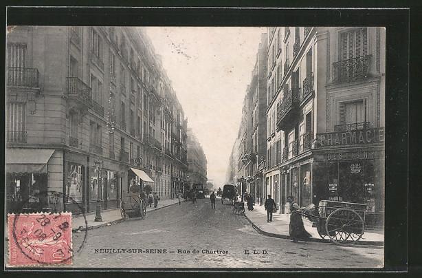AK Neuilly, Rue de Chartres, Carrosses dans la rue