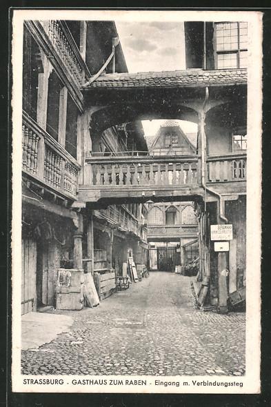 AK Strassburg, Gasthaus zum Raben, Eingang m. Verbindungssteg