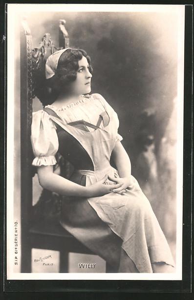 Foto-AK Atelier Reutlinger, Paris, Schauspielerin Willy sitzt auf einem Stuhl