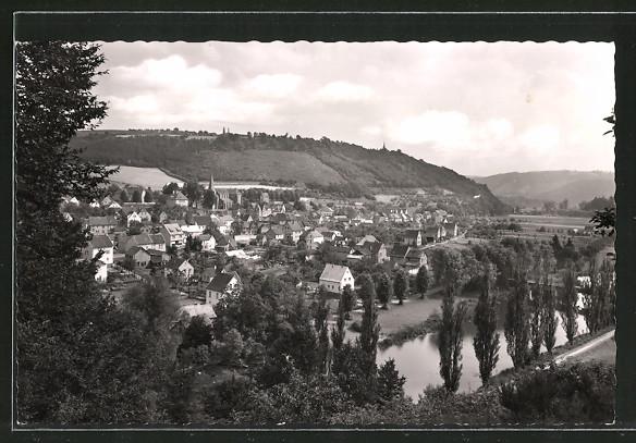 AK Waldbreitbach, Ortsansicht von einem Hügel aus