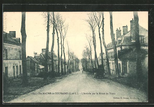 AK Ste-Maure-de-Touraine, l'Arrivée par la Route de Tours
