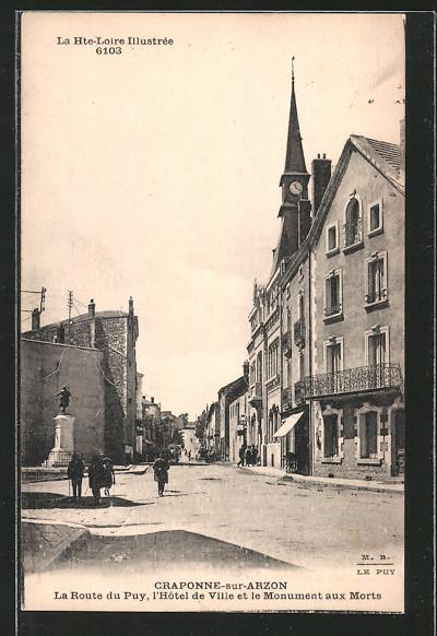 AK Craponne-sur-Arzon, l'Hotel de Ville et le Monument aux Morts