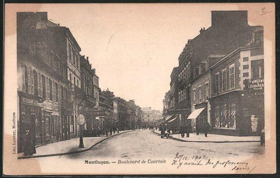 AK Montlucon, Boulevard de Courtais, Promeneurs