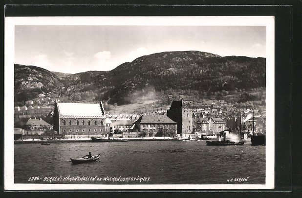 AK Bergen, Hakonshallen og Walkendorfstarnet, Dampfer, Ruderboot