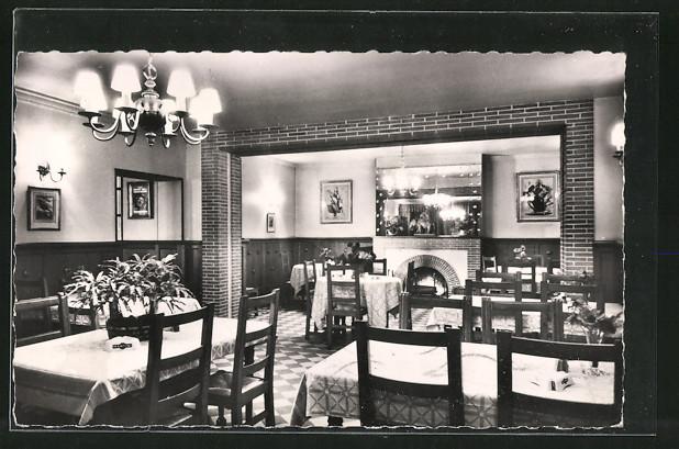 Ak les essarts le roi auberge la salle a manger place for Salle a manger 4 places