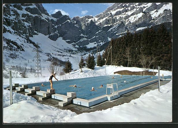 AK Leukerbad / Loèche les Bains, Schwimmbad im Winter mit Gemmipass