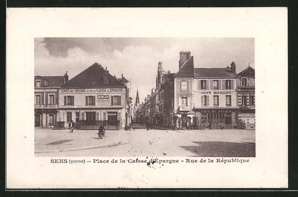 AK Sens, palce de la Caisse d'Epargne, rue de la République, café du Square