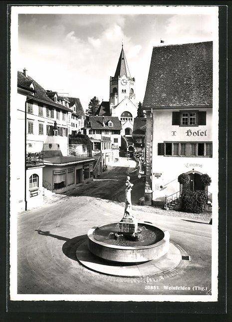 AK Weinfelden, Brunnenpartie mit Blick zur Kirche