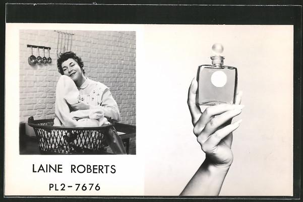 AK Laine Roberts mit frischer Wäsche wirbt für Wäscheduft-Parfüm