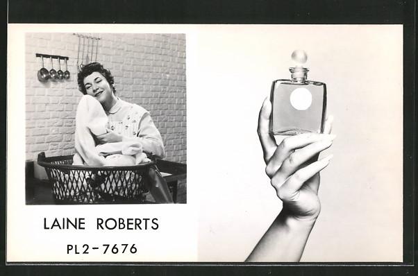AK Laine Roberts mit frischer Wäsche wirbt für Wäscheduft mit Parfüm