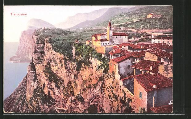 AK Tremosine, Blick auf das Dorf an der Steilküste