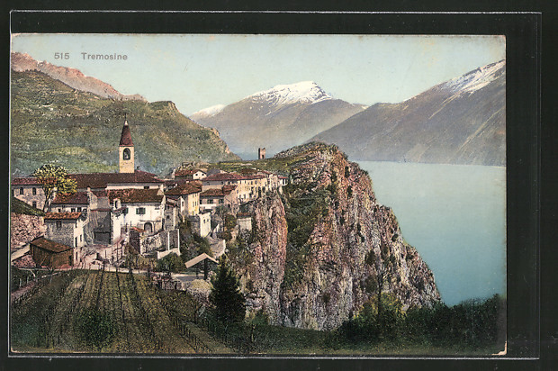 AK Tremosine, Ortsansicht mit See und Bergen