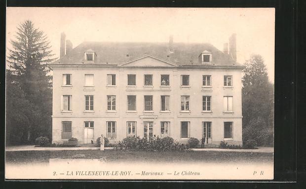 AK La Villeneuve-le-Roy, le château