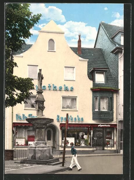 AK Remagen, Marienbrunnen am Markt, Apotheke