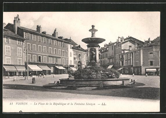 AK Voiron, la place de la République et la Fontaine Sénozan