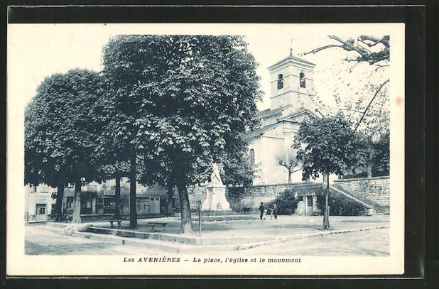 AK Les Avenières, La place, l'église et le monument