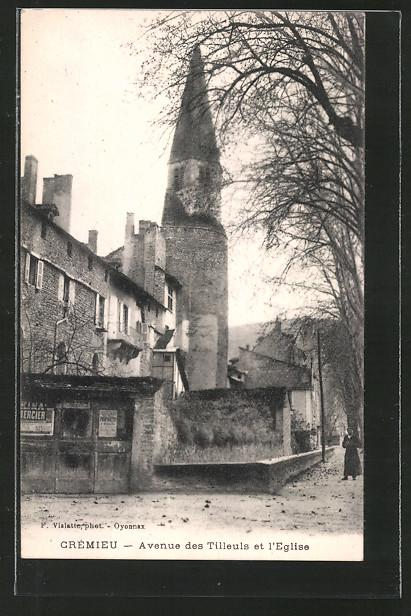 AK Cremieu, avenue des Tilleuls et l'eglise