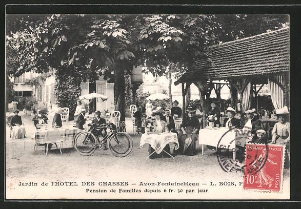 AK Avon-Fontainebleau, Jardin de l'hotel des Chasses, prop. L. Bois