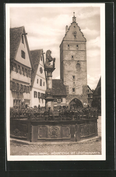 AK Dinkelsbühl, Wörnitztor mit Löwenbrunnen
