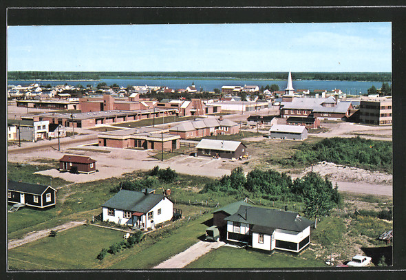 AK Moosonee, located at the mouth of the Moose River, on Arctic tidewater