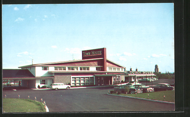 Ak albany ny town house motor hotel northern boulevard for Town house motor inn