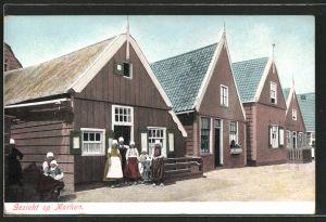 AK Marken, Familie vor ihrem Haus