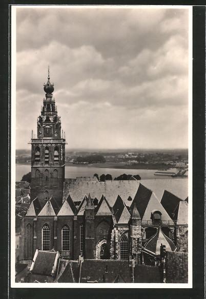 AK Nijmegen, St. Stevenkerk, Op den achtergrond het dorpje Lent