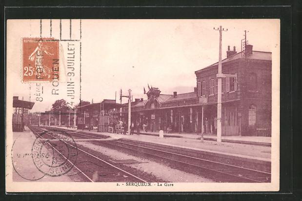 AK Serqueux, la Gare, Bahnhof von der Gleisseite