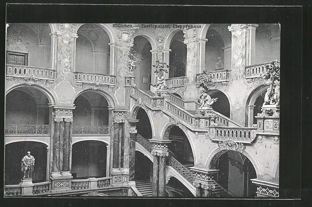 AK-Muenchen-Treppenhaus-im-Justizpalast.jpg