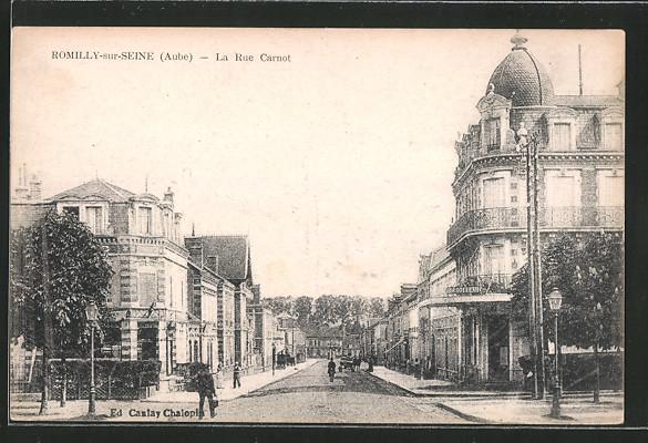 AK Romilly-sur-Seine, La Rue Carnot