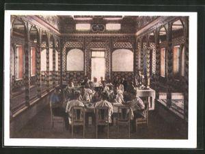 AK Duschanbe, Männer essen im Speisezimmer eines Hauses