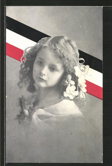 AK Mädchenbildnis vor Fahne des Deutschen Reichs