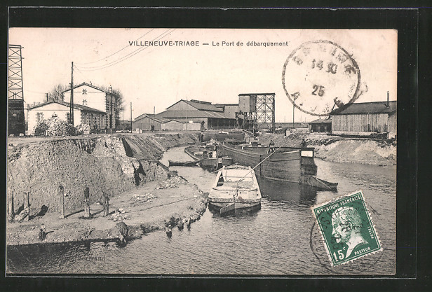 AK Villeneuve-Triage, Le Port de débarquement