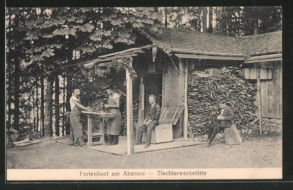 AK St. Wolfgang, Tischlerwerkstätte des Ferienhorts am Abersee, Tischler bei der Arbeit