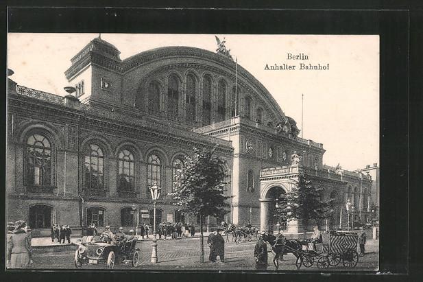 AK Berlin-Kreuzberg, Pferdekutschen vor dem Anhalter Bahnhof