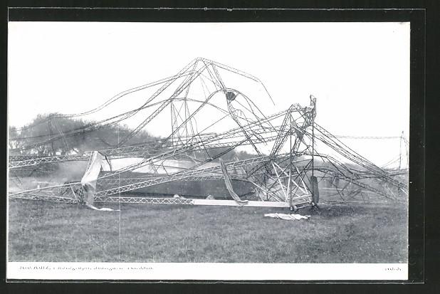 AK Echterdingen, Trümmer der Gondel eines explodierten Zeppelins
