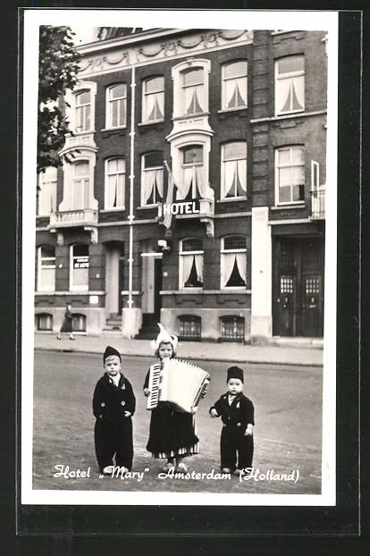 AK Amsterdam, Hotel