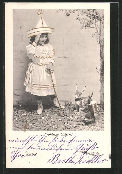 AK Fröhliche Ostern!, Osterhasen und Mädchen verkleidet als Ritter