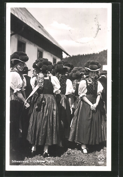 AK Gutacher Tracht, Frauen aus dem Schwarzwald